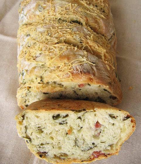 Duona su špinatais ir kumpiu - bulviukose.lt