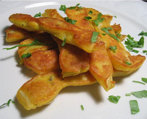 Šparaginės pupelės tešloje - bulviukose.lt