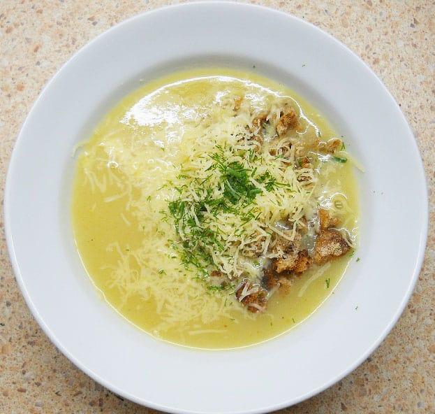 Trinta svogūnų sriuba - bulviukose.lt