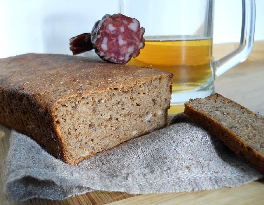 Plikyta ruginė duona - bulviukoselt