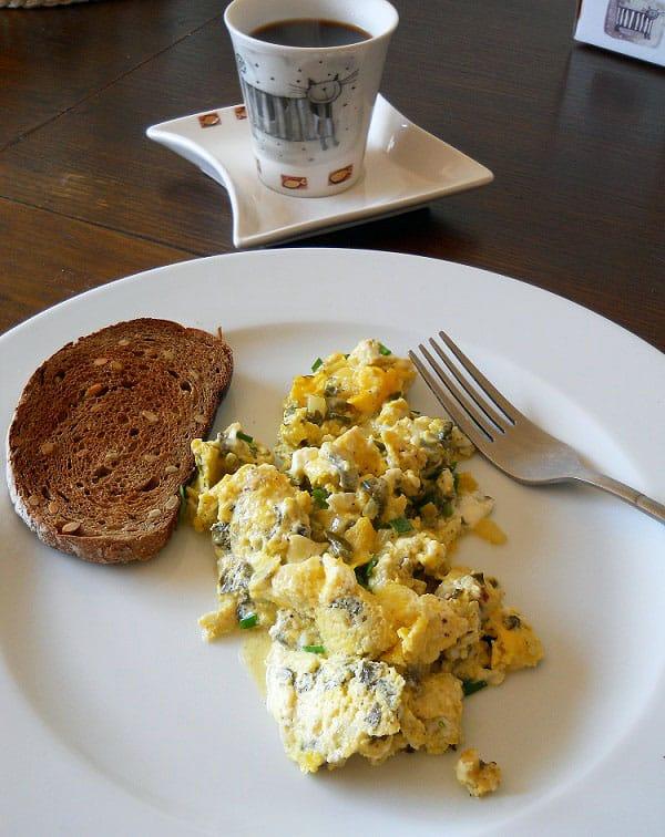Kiaušinienė su rūgštynėmis - bulviukose.lt