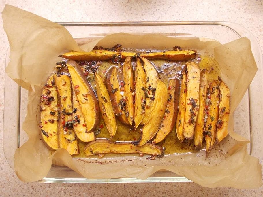 Orkaitėje keptos saldžiosios bulvės - bulviukose.lt