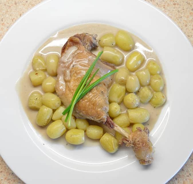 Anties kojelė troškinta su vynuogėmis - bulviukose.lt