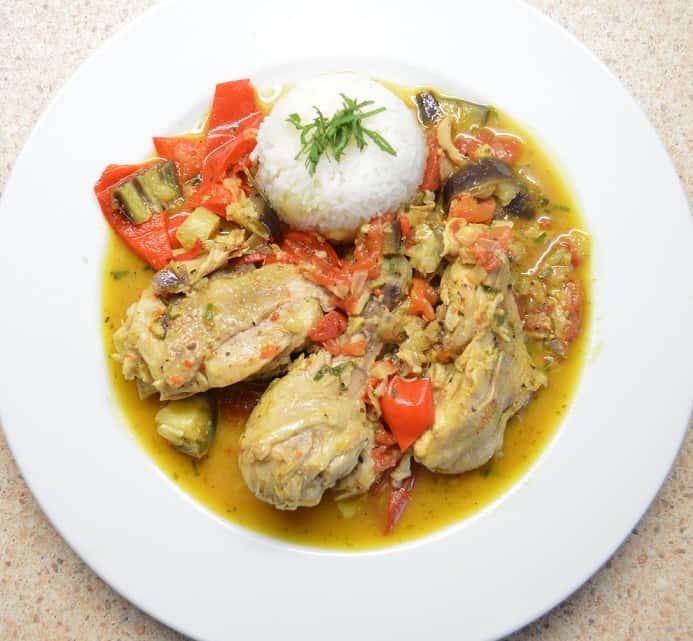 Vištienos troškinys su paprika ir baklažanais - bulviukose.lt