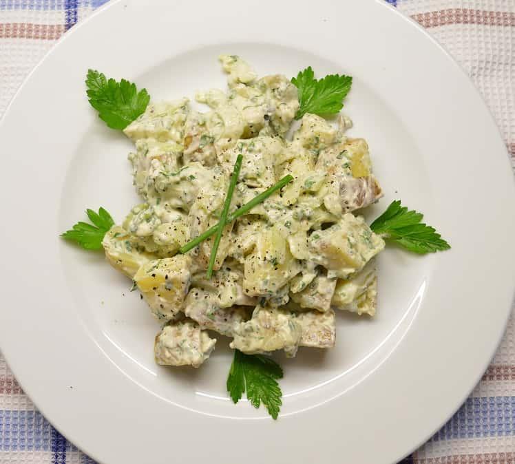 Bulvių salotos su mėlynojo pelėsio sūriu - bulviukose.lt