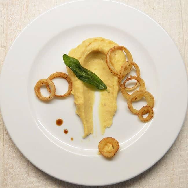 Bulvių košė virta aluje. Garnyras prie mėsos - bulviukose.lt