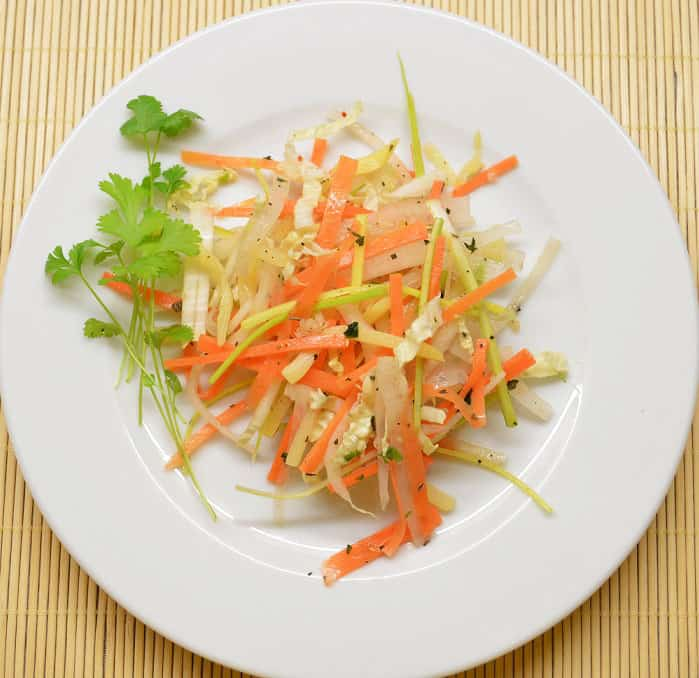 Rytietiškos daržovių salotos. Gaivus garnyras - bulviukose.lt
