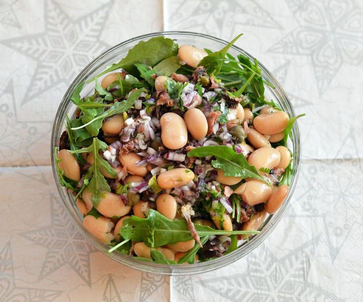 Pupelių, tuno ir gražgarsčių salotos. Sočios ir gardžios - bulviukose.lt