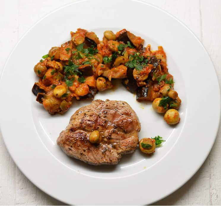 Kiaulienos kepsnys su baklažanais ir pievagrybiais - bulviukose.lt