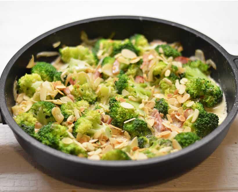 Brokolių troškinukas - bulviukose.lt