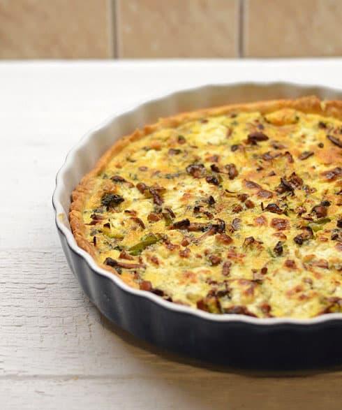 Voveraičių ir ožkos sūrio pyragas (quiche) - bulviukose.lt