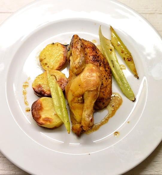 Keptas kukurūzinis viščiukas - bulviukose.lt