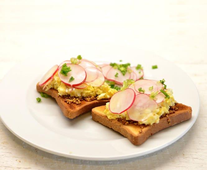 Pusryčių sumuštiniai su kiaušiniais, ridikėliais ir garstyčiomis - bulviukose.lt