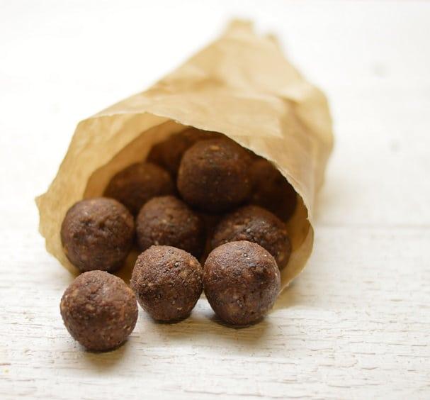 Triufeliai su datulėmis ir riešutais. Be cukraus ir glitimo - bulviukose.lt