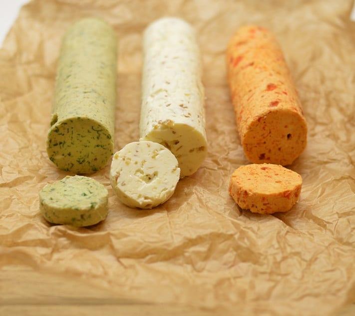 Sviestas. Trys skoniai: garšva, paprika, avokadas - bulviukose.lt
