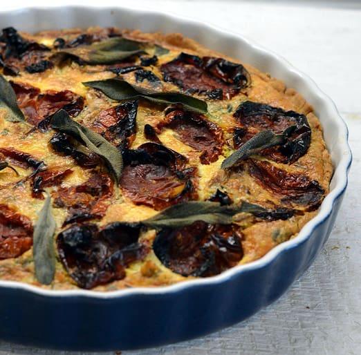 Keptų pomidorų ir sūdyto sūrio pyragas (quiche) - bulviukose.lt