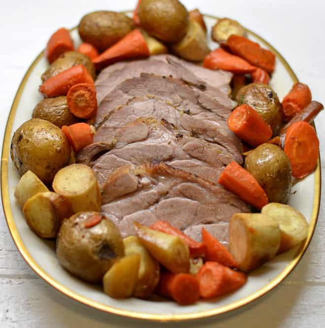 Orkaitėje kepta kiaulienos sprandinė - bulviukose.lt