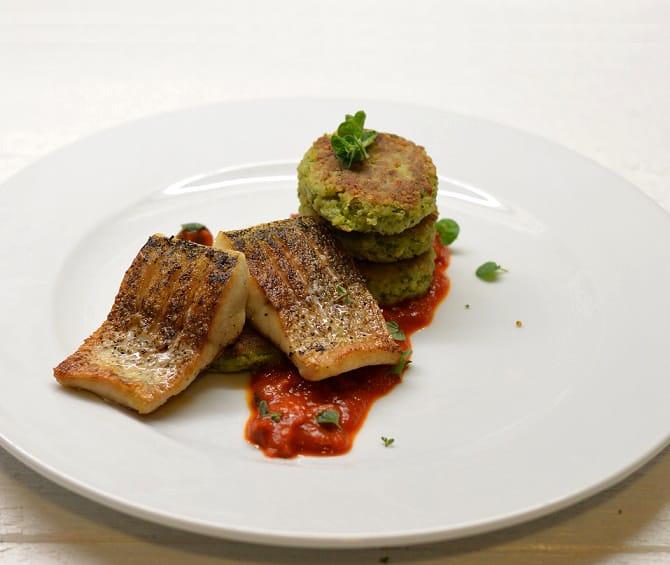 Lydekos kepsneliai su brokolių blyneliais - bulviukose.lt