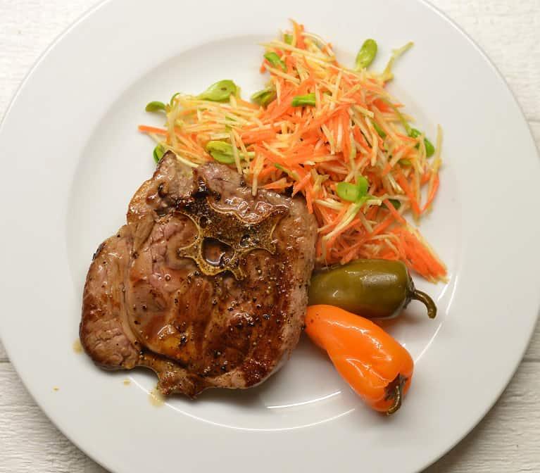 Morkų, pastarnokų salotos su krienais - bulviukose.lt