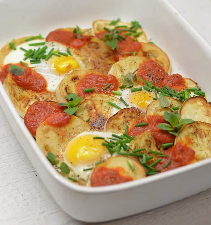 Baklažanų ir kiaušinių apkepas - bulviukose.lt