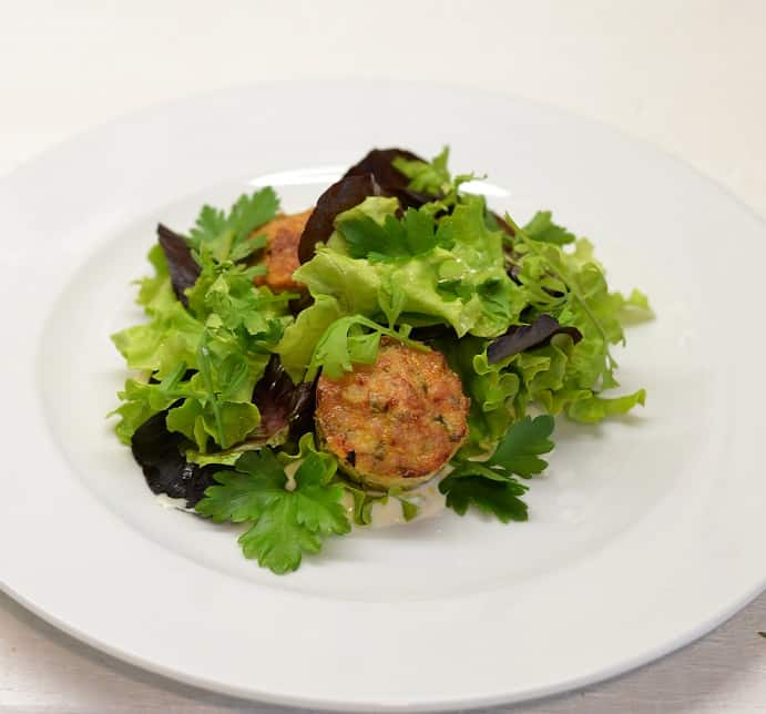 Triušienos maltinukai su razinomis ir šonine - bulviukose.lt