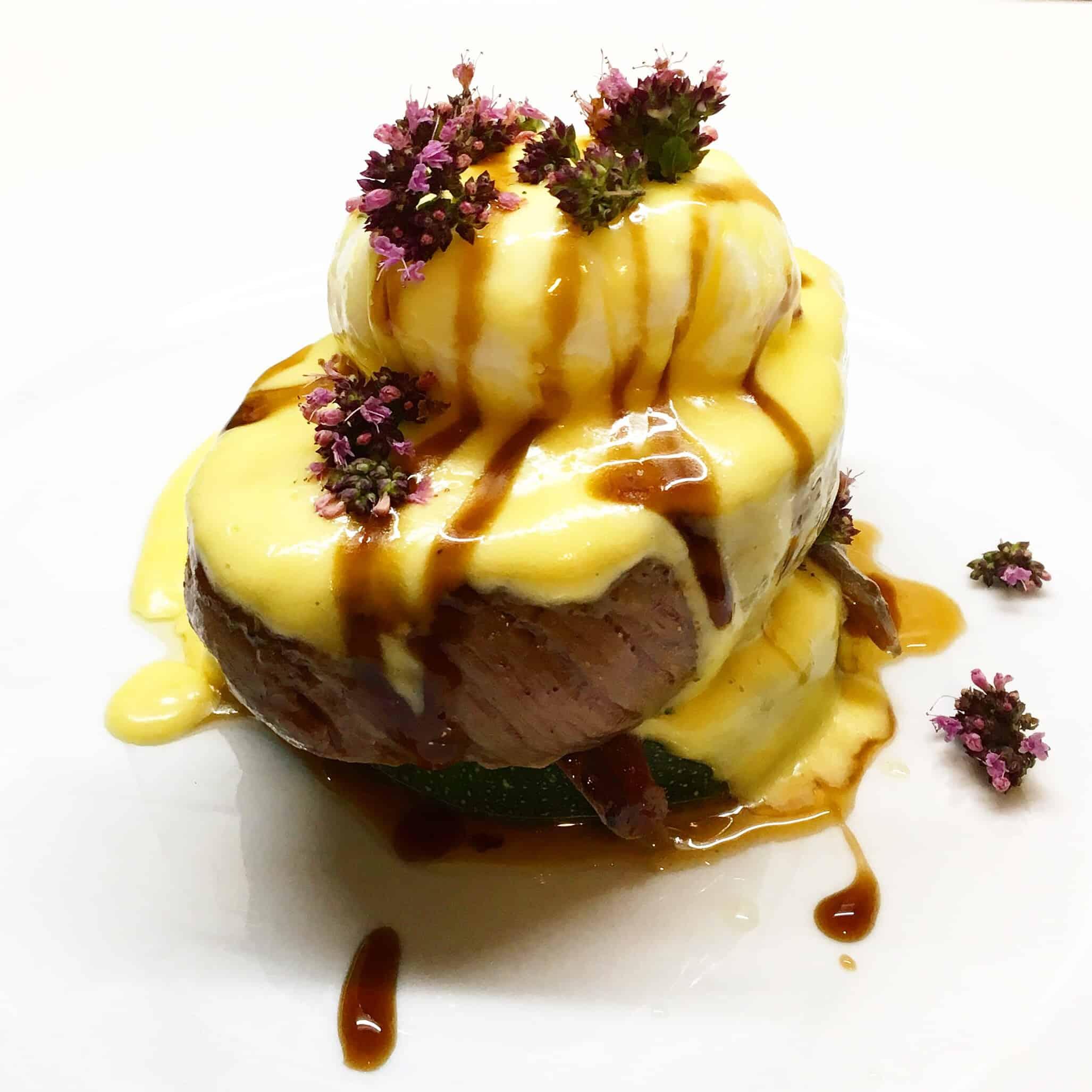 Jautienos kepsnys su Hollandaise padažu - bulviukose.lt