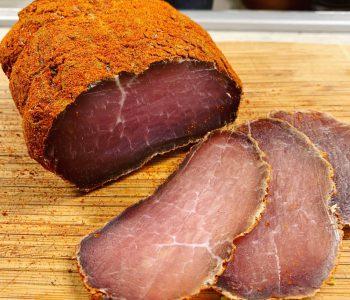 Vytinta kiaulienos nugarinė su česnakais ir degtine - bulviukose.lt