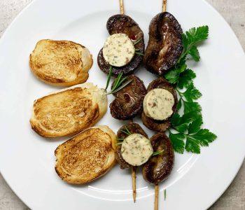 Ėriuko inkstai su sviesto padažu ir skrebučiais - bulviukose.lt