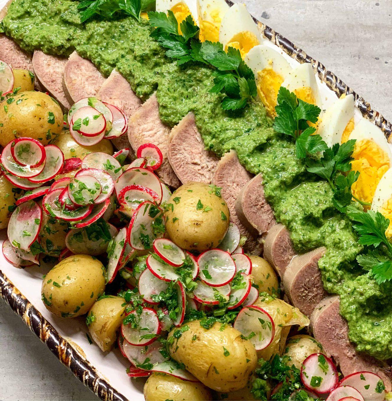 Jaučio liežuvis su Salsa Verde padažu - bulviukose.lt