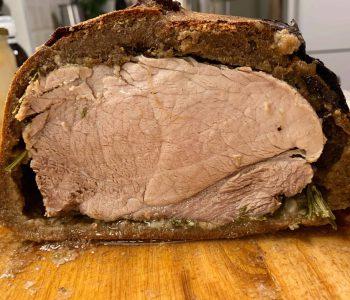 Kiauliena duonos tešloje - bulviukose.lt