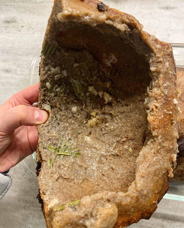 Mėsa kepta ruginėje tešloje - bulviukose.lt