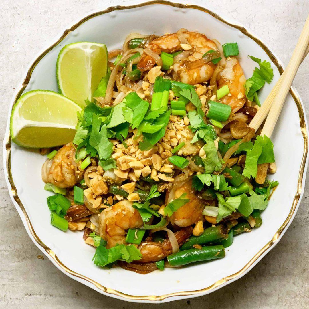 Tailandietiškas receptas Pad Thai - bulviukose.lt