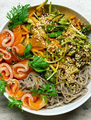 Salotos su kimči ir čili pastos padažu