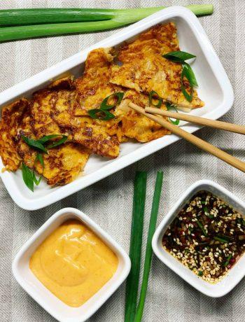 Korėjietiški blynai su kimchi ir kalakutiena