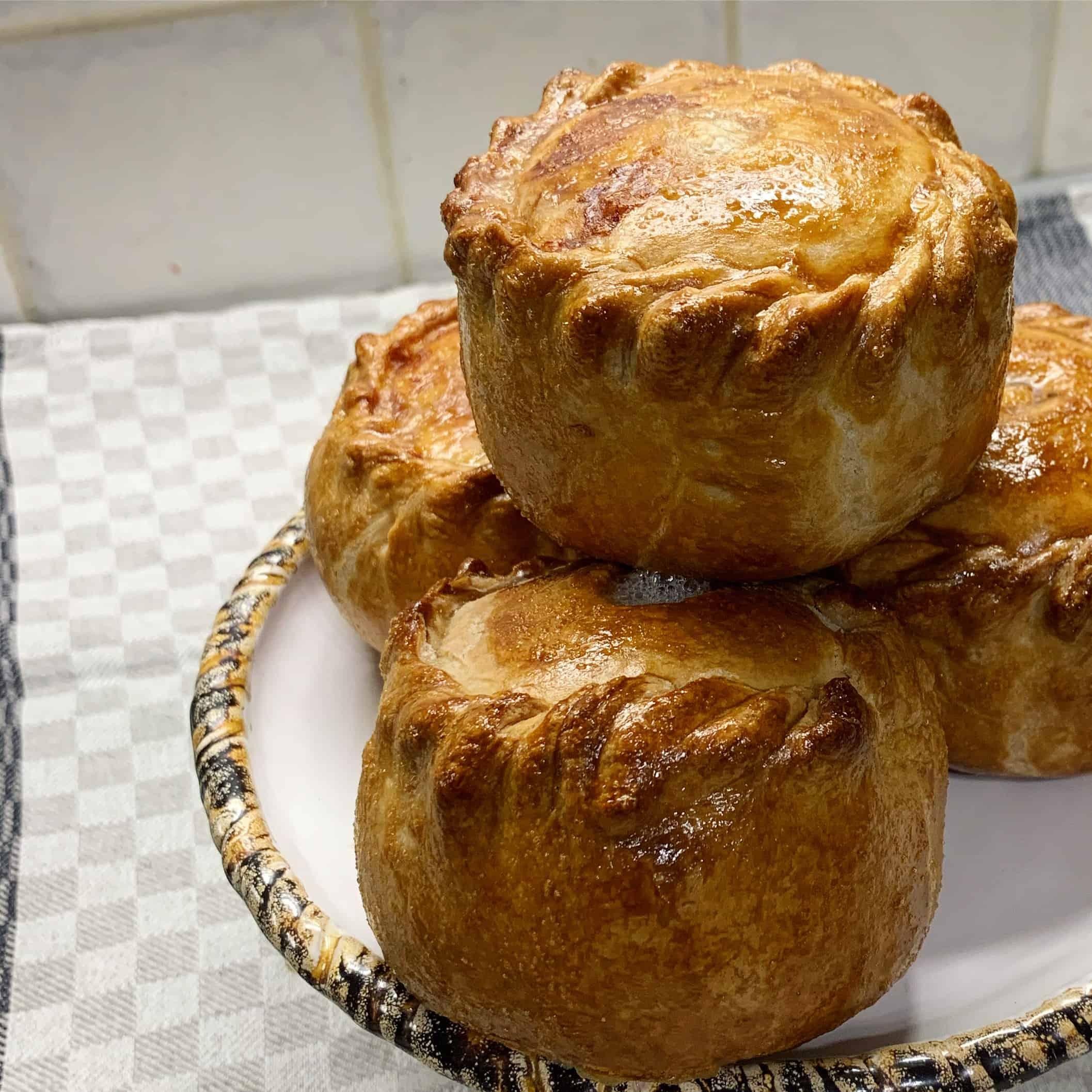 Angliški pyragėliai su kiauliena ir šonine