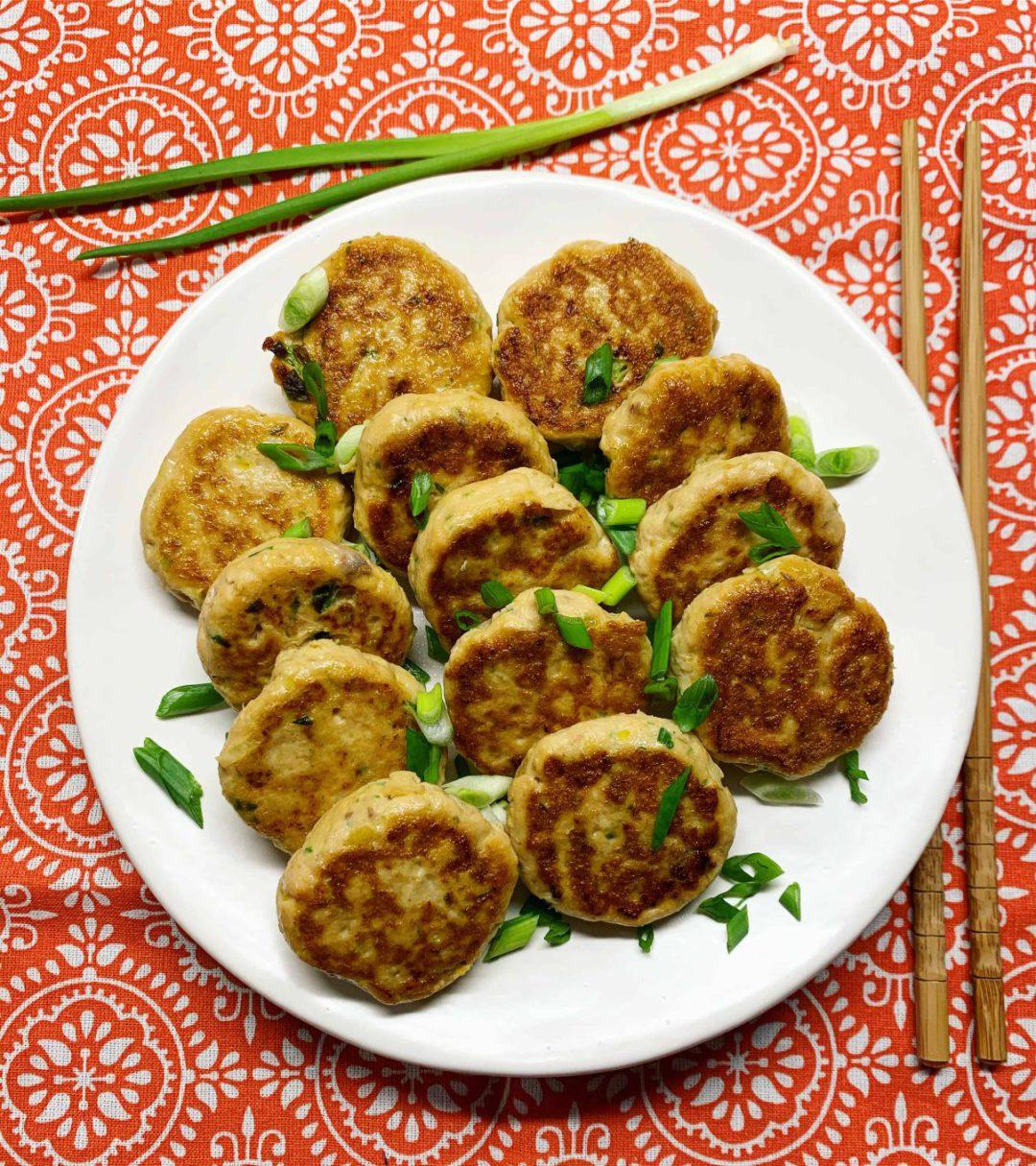 Thai fish cakes - žuvų maltinukai tailandietiškai